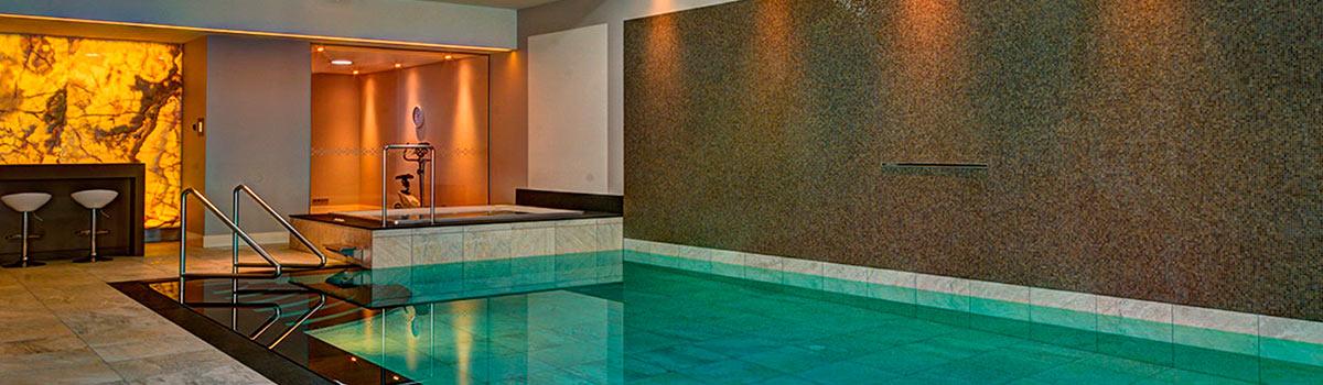 Luxe binnenzwembad