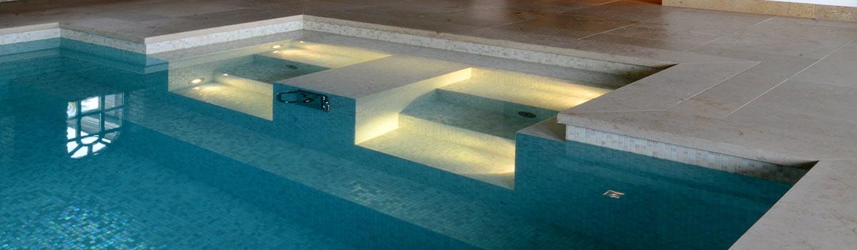 Binnenzwembad op maat aanleggen vsb wellness for Binnenzwembad bouwen